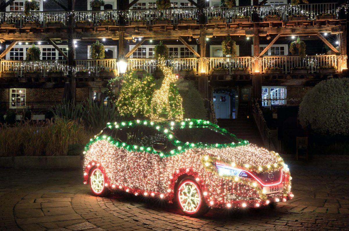 "Nissan Leaf turned into a ""Christmas tree"""